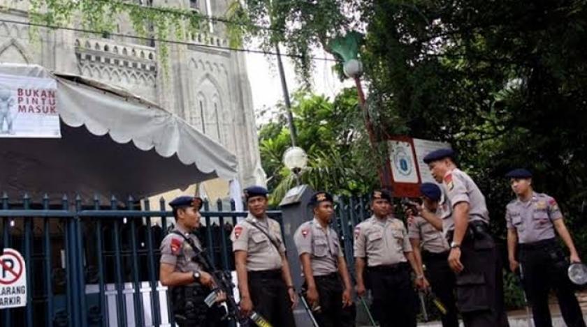 pengamanan katedral