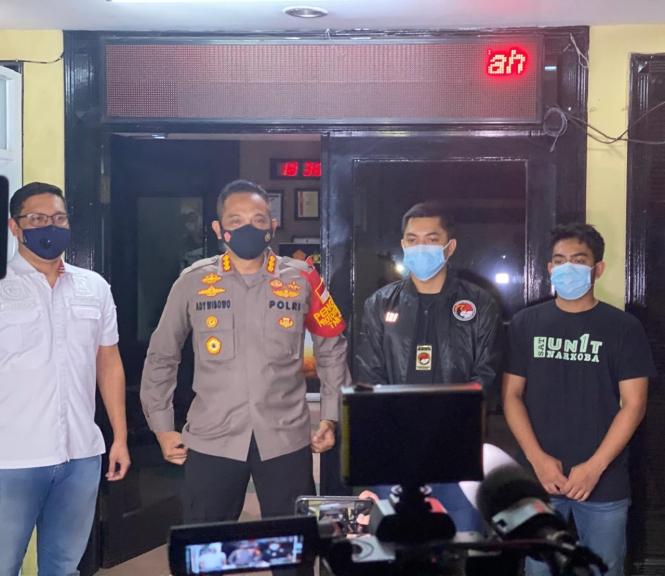 Kapolres Jakarta Barat Kombes Pol Ady Wibowo dan jajaran Satuan Polres Metro Jakarta Barat. (Foto: PMJ News).