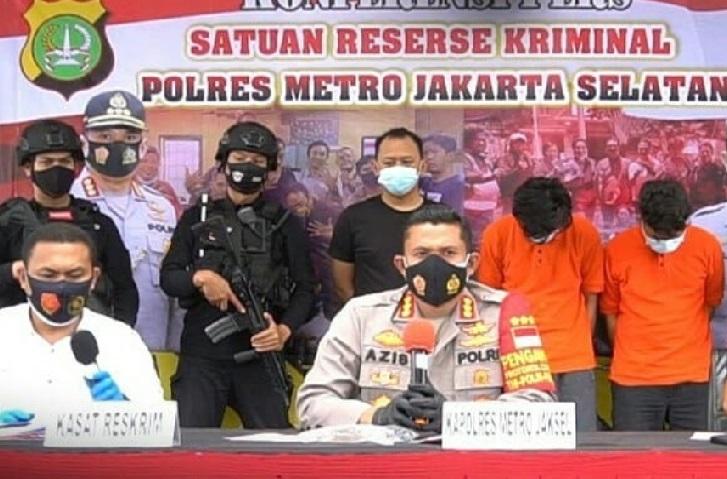 Polres Metro Jakarta Selatan menggelar perkara pengungkapan kasus pencurian dengan pemberatan. (Foto: PMJ News/Instagram @polres metro jakartaselatan).