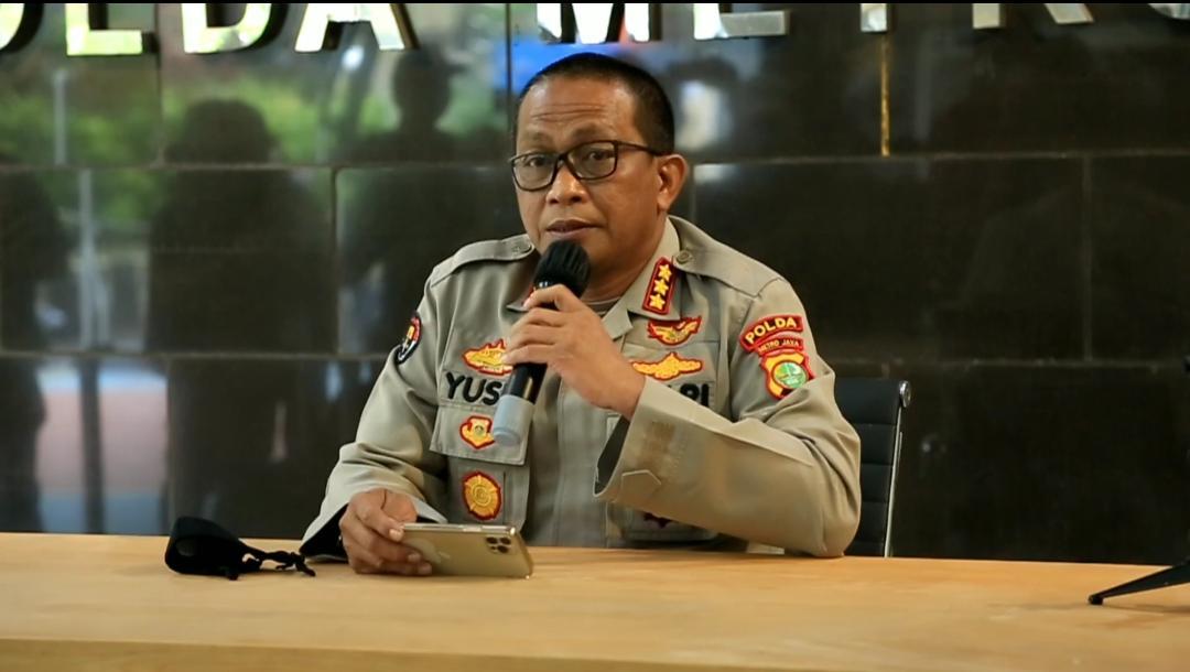Kabid Humas Polda Metro Jaya Kombes Pol Yusri Yunus berikan keterangan. (Foto ; PMJ/Fjr).