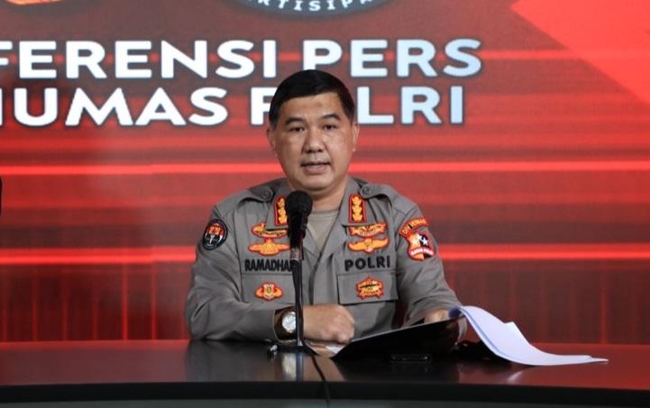 Kabag Penum Divisi Humas Polri, Kombes Ahmad Ramadhan saat memberikan keterangan. (Foto: PMJ News/Divisi Humas Polri).