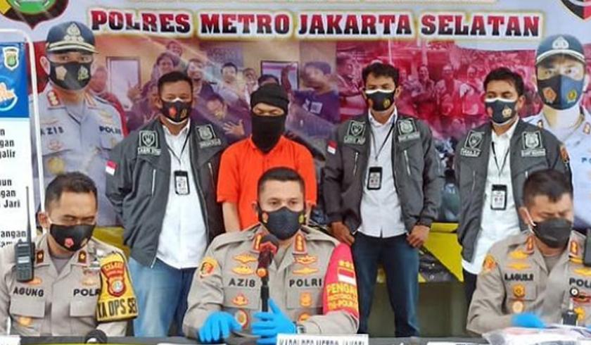 Polres Jakarta Selatan menggelar kasus penusukan Kadis Parekraf DKI Jakarta. (Foto: PMJ News/Instagram @polres_metro_jakartaselatan).