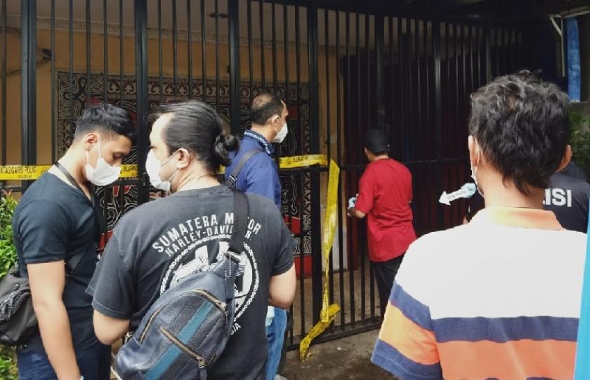 Tim Inafis Polda Metro Jaya melakukan olah tempat kejadian perkara (TKP) kasus penembakan. (Foto: PMJ News/Istimewa).