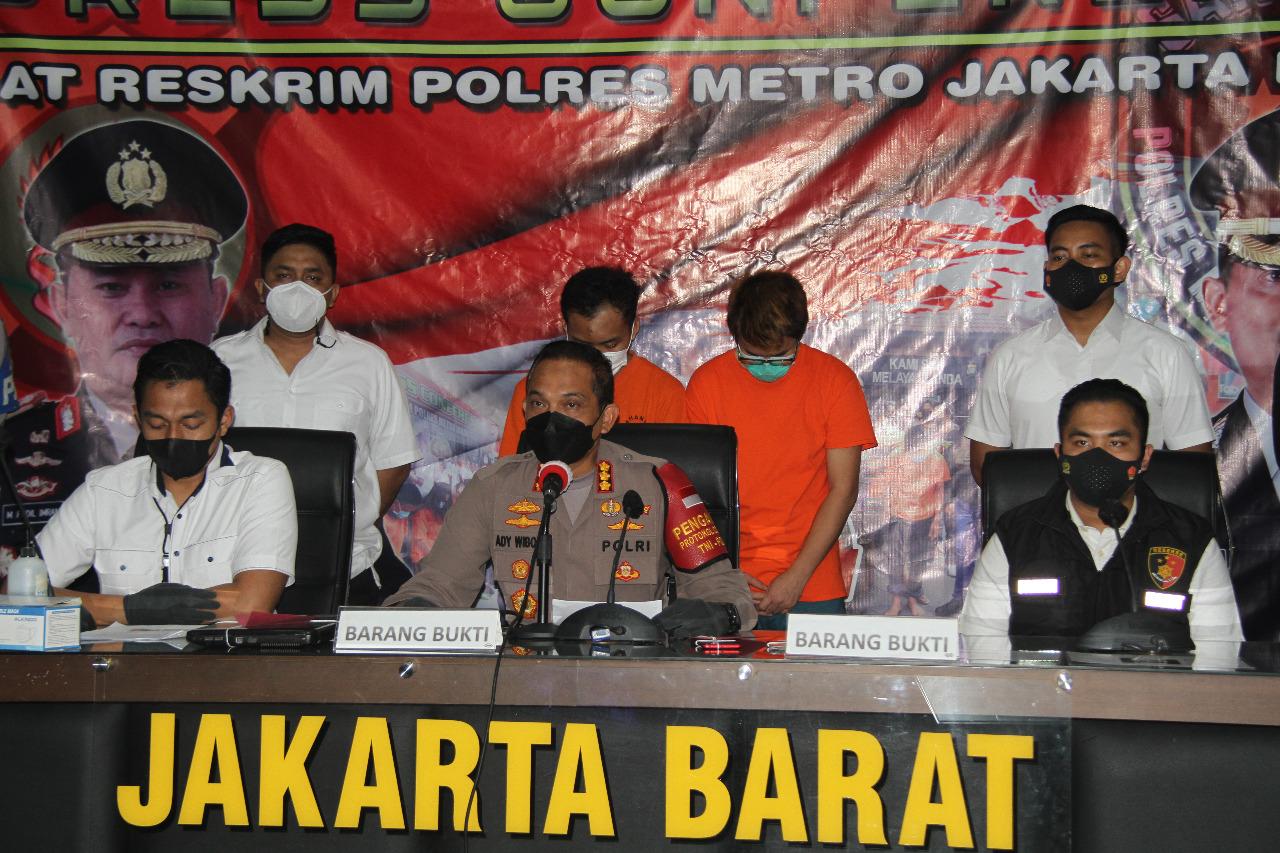 Keterangan pers Kapolres Metro Jakbar Kombes Pol Ady Wibowo bersama jajarannya. (Foto: PMJ News)