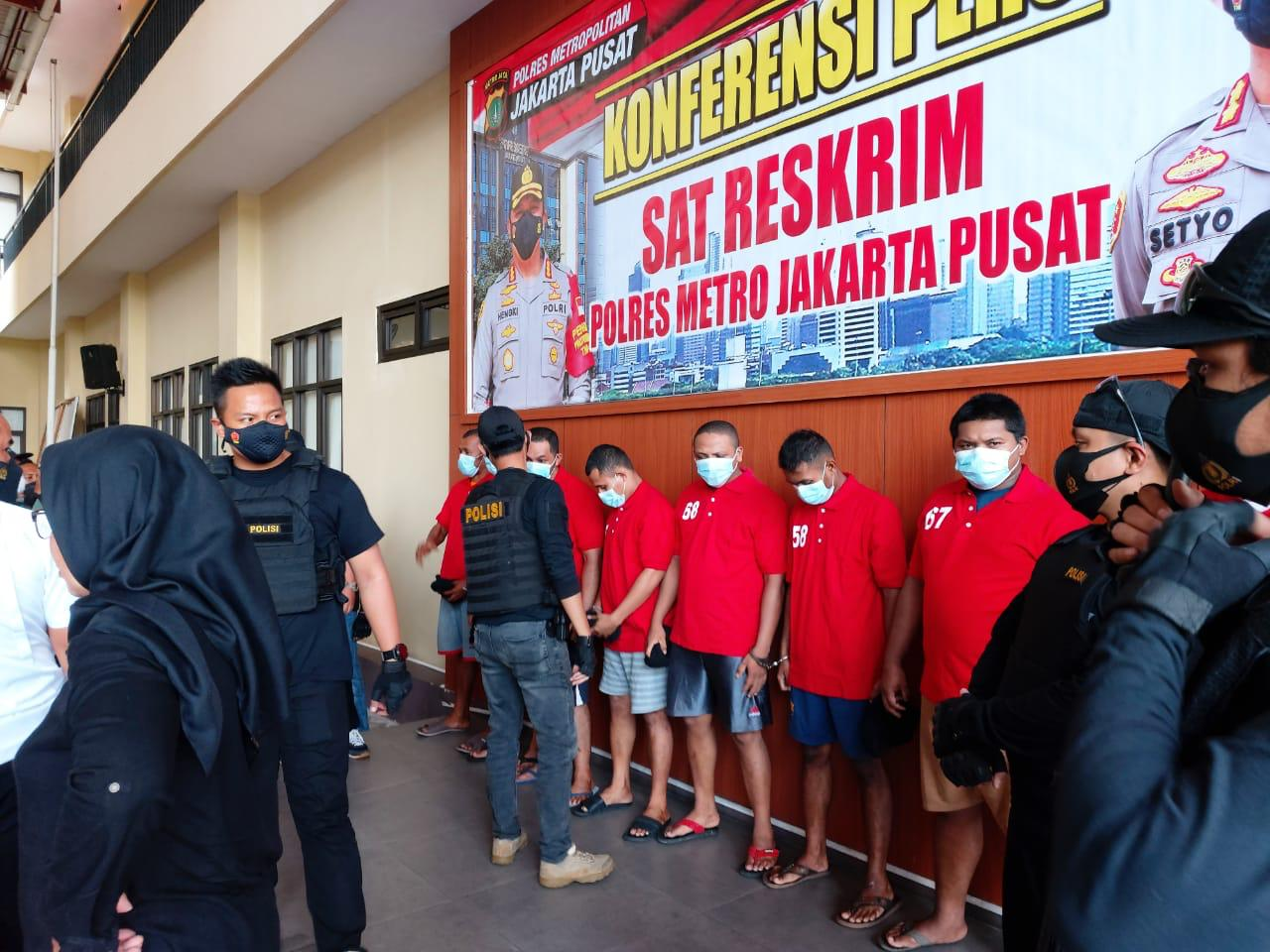 Keterangan pers jajaran Polres Jakpus soal penangkapan mafia tanah dan pelaku premanisme.(Foto: PMJ News).