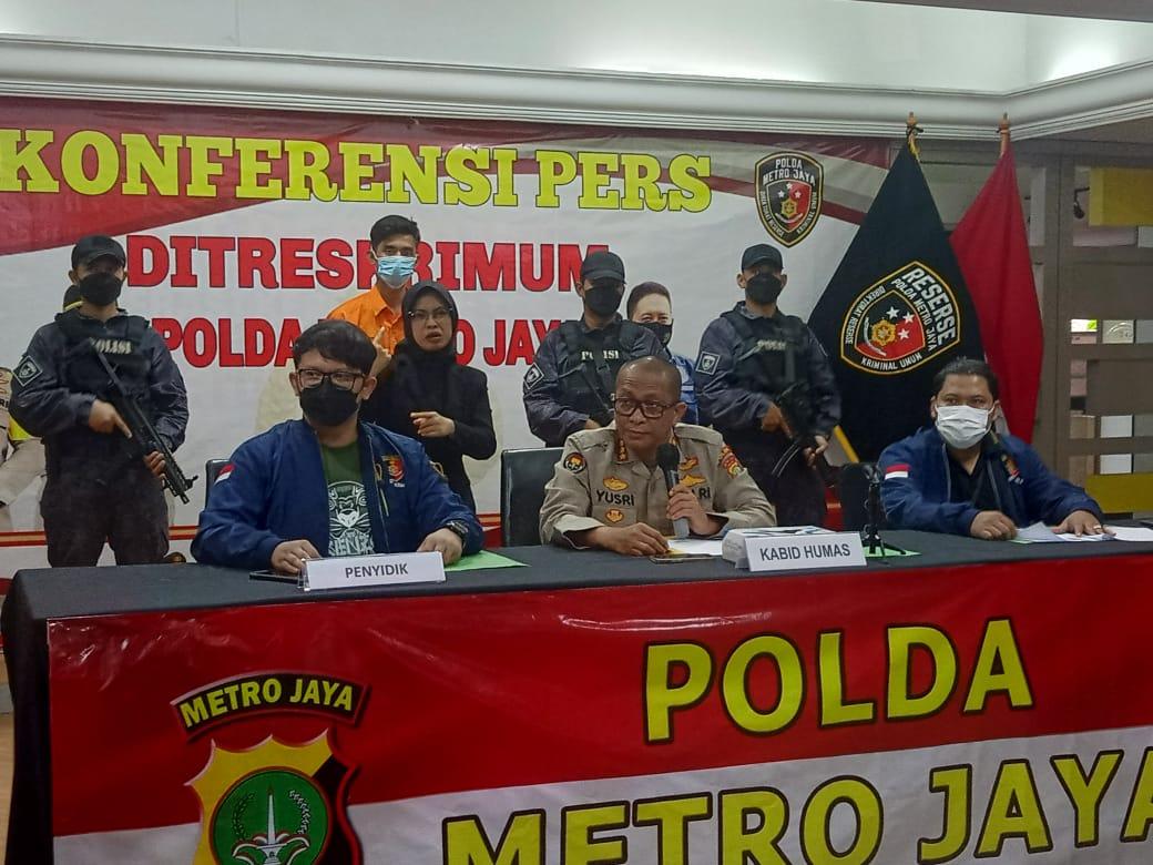 Kabid Humas Polda Metro Jaya Kombes Pol Yusri Yunus berikan keterangan. (Foto : PMJ/Yenni).
