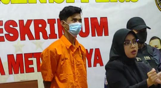 Pelaku Pemerkosa berbaju orange. (Foto : PMJ/Yenni).