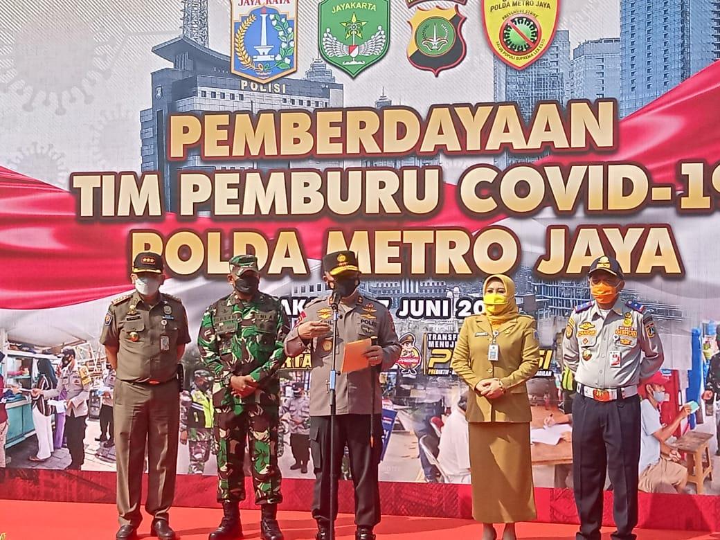 Kapolda Metro Jaya Irjen Pol Fadil Imran sampaikan arahannya. (Foto : PMJ/Yenni).