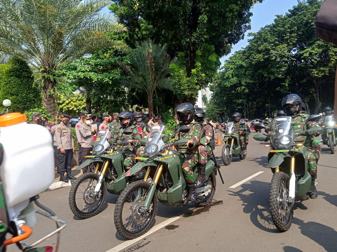 Tim Pemburu Covid-19 TNI-Polri. (Foto ; PMJ/Yenni).