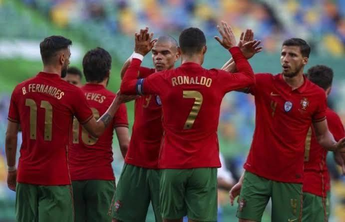 Para pemain Timnas Portugal merayakan kemenangan atas Israel. (Foto: Dok Net)