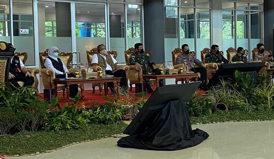 Kapolri Jenderal Listyo Sigit Prabowo meninjau penanganan Covid-19 di Kediri, Jawa Timur. (Foto: PMJ News).