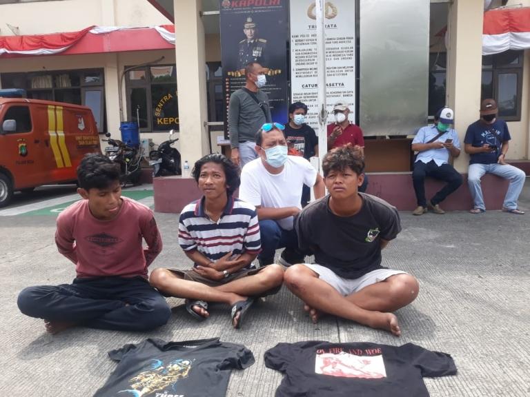 3 tersangka pemalak sopir  diamankan polisi. (Foto: PMJ News/ Yeni)