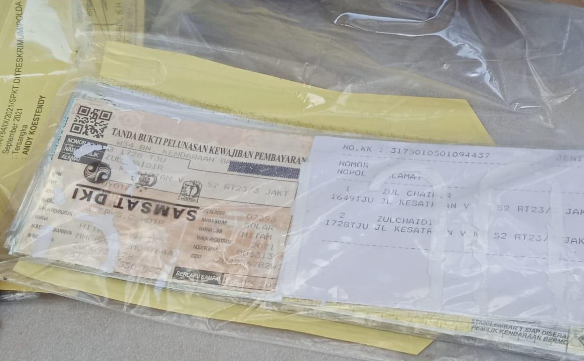 Polda Metro Jaya menggelar perkara penggungkapan sindikat pemalsu tanda nomor kendaraan bermotor. (Foto: PMJ News/Yeni).