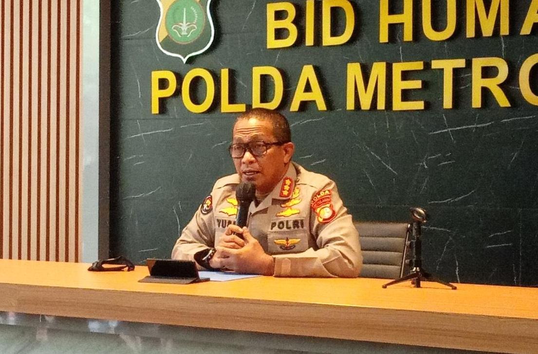 Kabid Humas Polda Metro Jaya, Kombes Polr Yusri Yunus saat memberikan keterangan pers. (Foto: PMJ News/Yeni).
