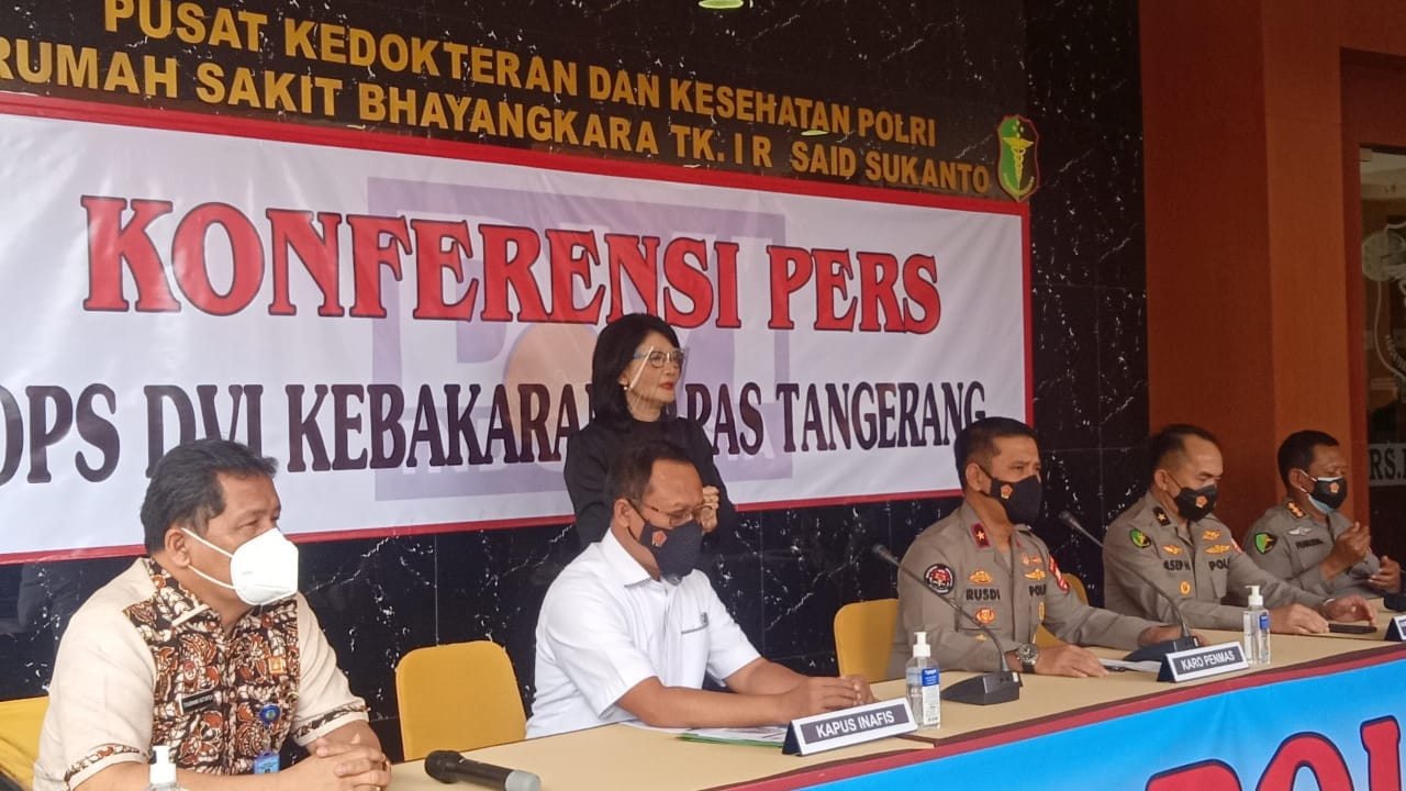 Keterangan Karo Penmas Divisi Humas Polri, Brigjen Pol Rusdi Hartono  dan jajarannya. (Foto: PMJ News/ Yeni)